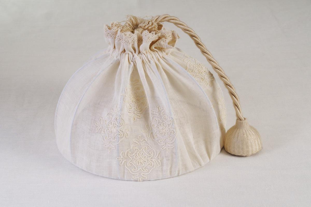 Home » Prodotti » Art-2 lampadario in lino puro pistoccu panna