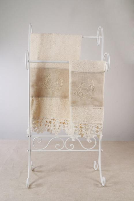 Art-5 set asciugamani spugna e lino con pizzo pavoncella panna