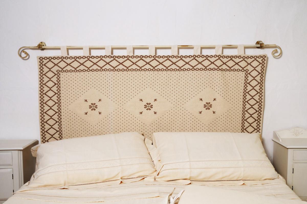 Testiere per letto artigianato tessile sardo anna segreto for Testiere letto a cuscino