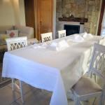 Art-4-tovaglia-in-misto-lino-bianco-con-disegno-roselline-