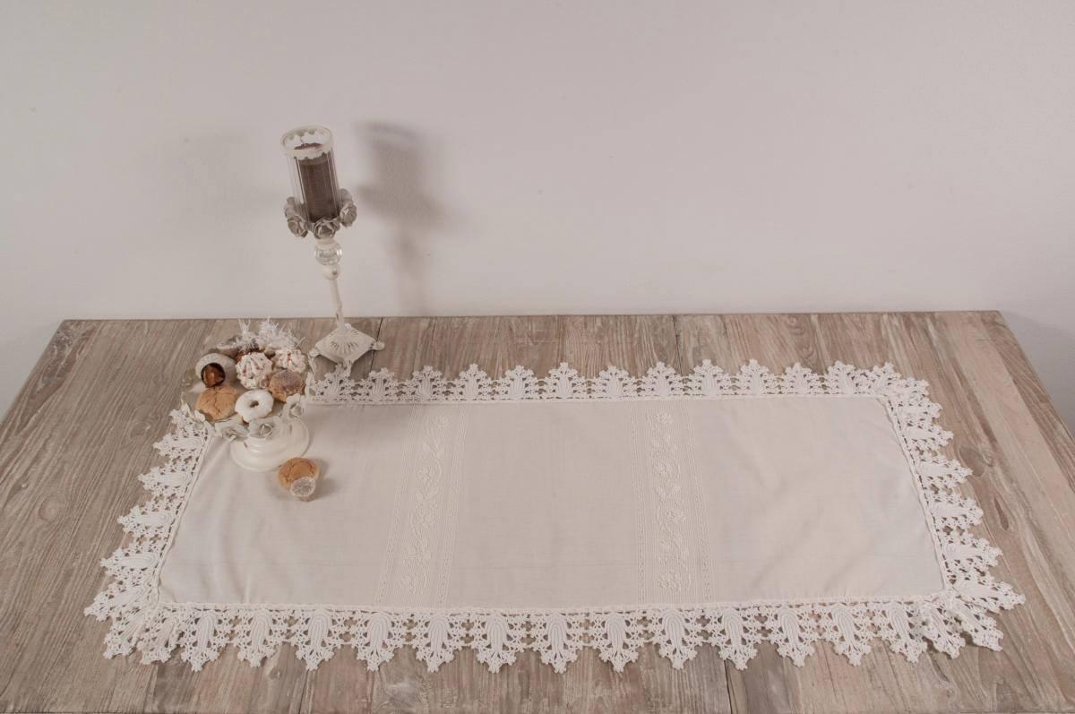 Art-1 centro in misto lino tortora e pizzo ad uncinetto - Annasegreto