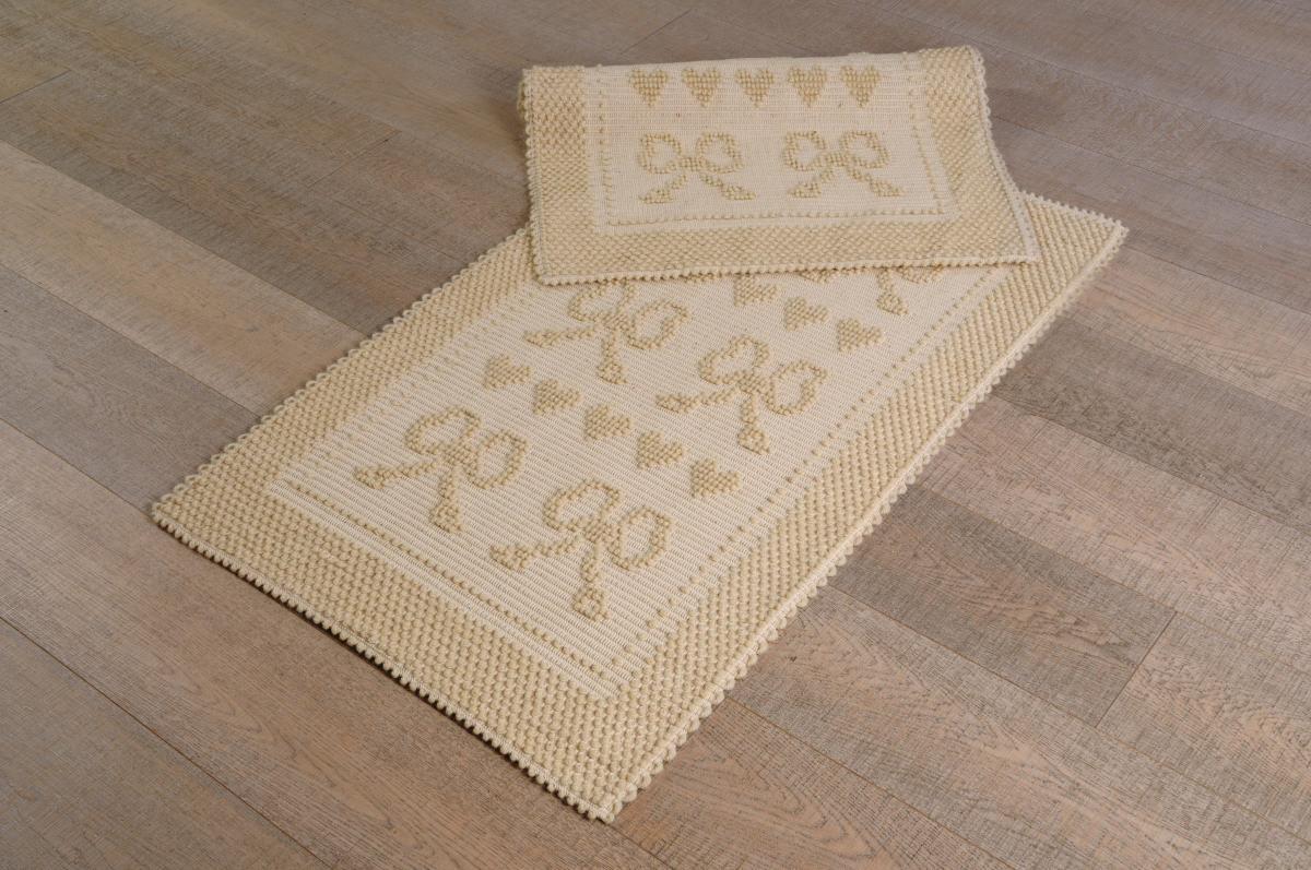 Art-8 scendiletto lana cuori e fiocchi panna